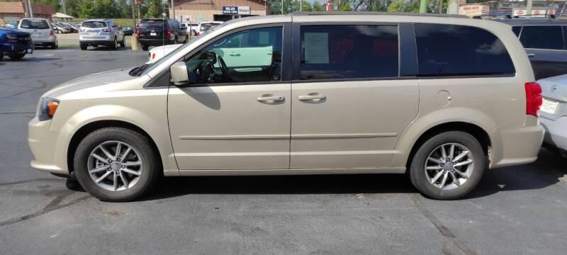 2014 Dodge Grand Caravan for sale at Village Auto Outlet in Milan IL