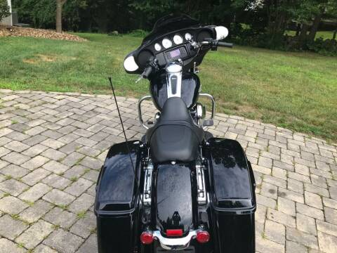 2015 HARLEY DAVIDSON FLHX for sale at Nala Equipment Corp in Upton MA