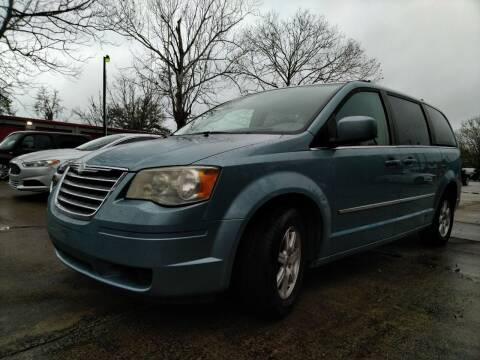 2009 Chrysler Town and Country for sale at SUNRISE AUTO SALES in Gainesville FL