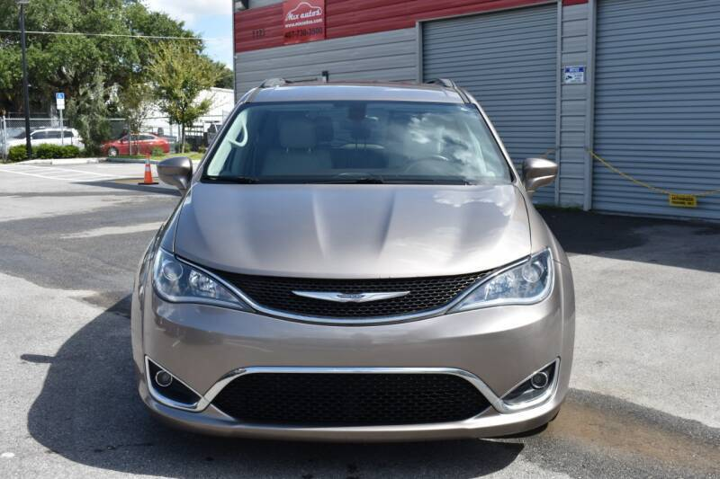 2017 Chrysler Pacifica for sale at Mix Autos in Orlando FL