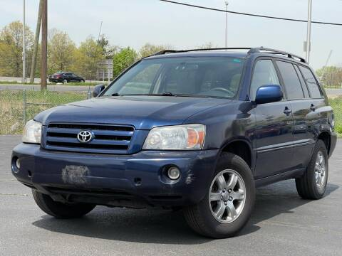 2005 Toyota Highlander for sale at MAGIC AUTO SALES in Little Ferry NJ