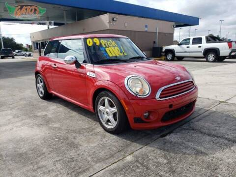 2009 MINI Cooper for sale at GATOR'S IMPORT SUPERSTORE in Melbourne FL