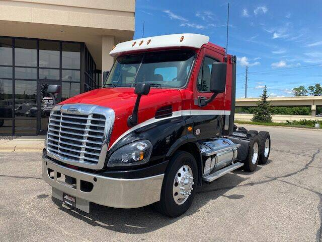 2017 Freightliner Cascadia for sale in Minneapolis, MN