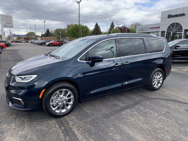 2021 Chrysler Pacifica for sale in Waupun, WI