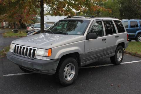 1998 Jeep Grand Cherokee for sale at Auto Bahn Motors in Winchester VA