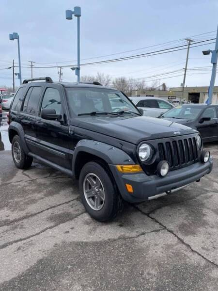 2005 Jeep Liberty for sale at R&R Car Company in Mount Clemens MI