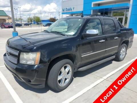 2011 Chevrolet Avalanche for sale at Midway Auto Outlet in Kearney NE