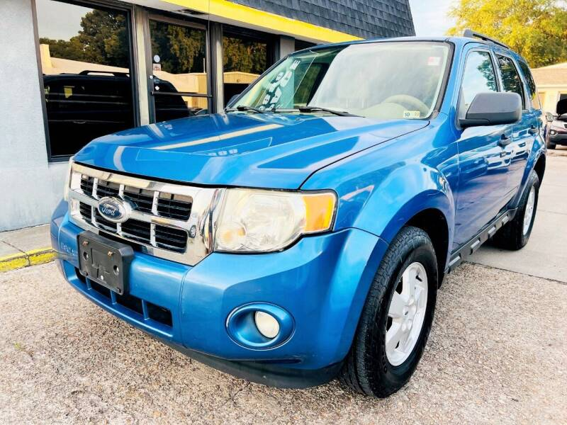 2009 Ford Escape for sale at Auto Space LLC in Norfolk VA