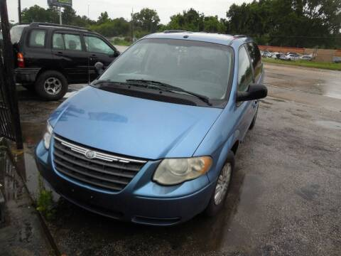 2007 Chrysler Town and Country for sale at SCOTT HARRISON MOTOR CO in Houston TX