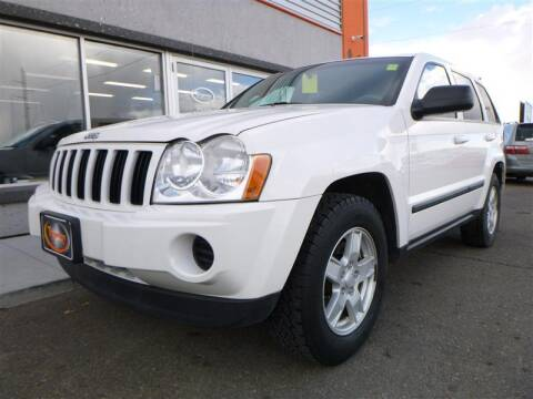 2007 Jeep Grand Cherokee for sale at Torgerson Auto Center in Bismarck ND