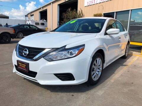 2016 Nissan Altima for sale at Market Street Auto Sales INC in Houston TX