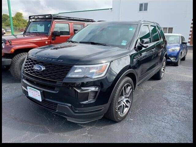 2018 Ford Explorer for sale at Greenway Automotive GMC in Morris IL
