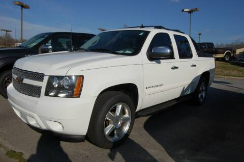 2008 Chevrolet Avalanche for sale at Modern Motors - Thomasville INC in Thomasville NC