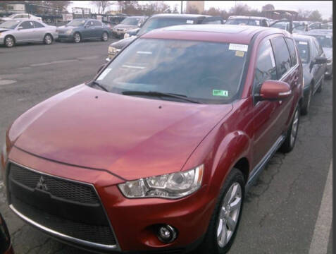 2010 Mitsubishi Outlander for sale at Auto Town Used Cars in Morgantown WV