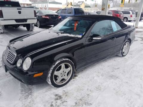 2000 Mercedes-Benz CLK for sale at Springfield Select Autos in Springfield IL