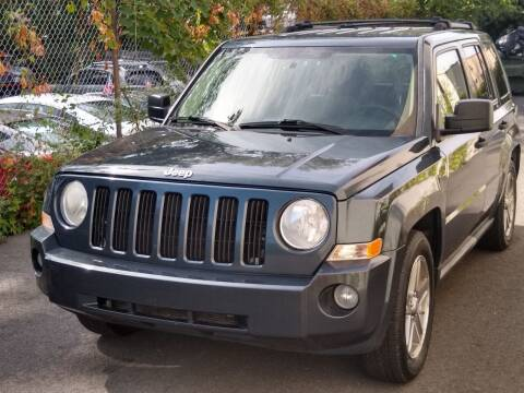 2007 Jeep Patriot for sale at MAGIC AUTO SALES in Little Ferry NJ