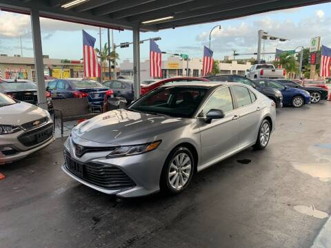 2019 Toyota Camry for sale at American Auto Sales in Hialeah FL