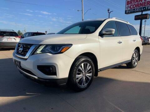 2017 Nissan Pathfinder for sale at Bryans Car Corner in Chickasha OK