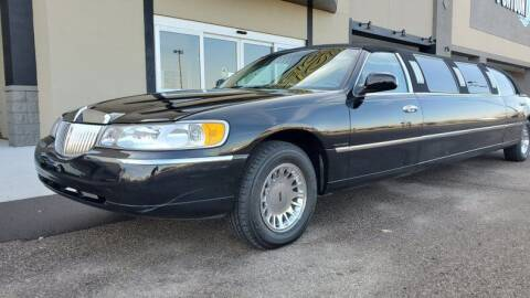 1999 Lincoln Town Car for sale at UNIQUE SPECIALTY & CLASSICS in Mankato MN