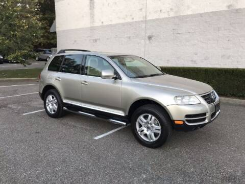 2004 Volkswagen Touareg for sale at Select Auto in Smithtown NY