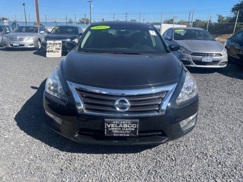2013 Nissan Altima for sale at Velascos Used Car Sales in Hermiston OR