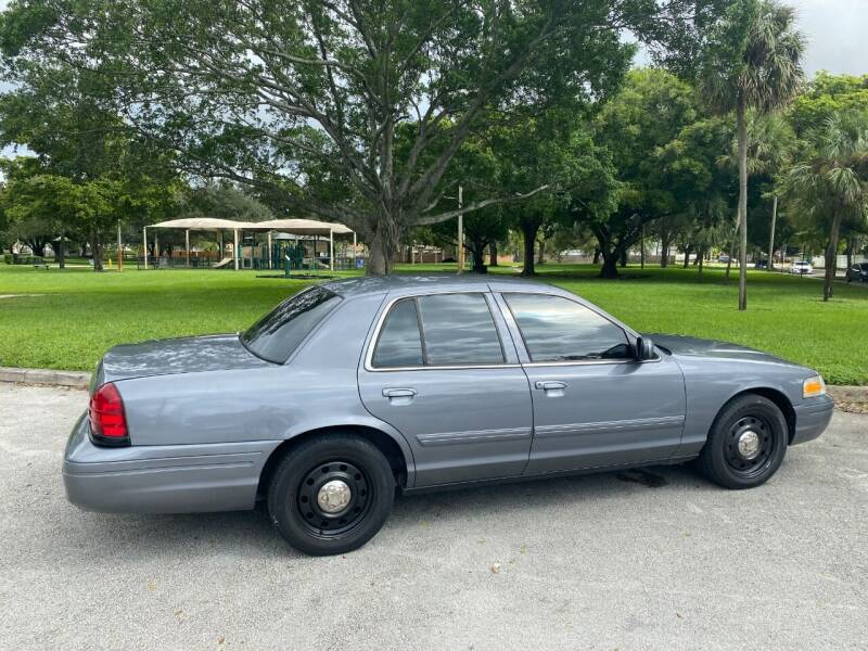 2009 Ford Crown Victoria for sale in Hollywood, FL