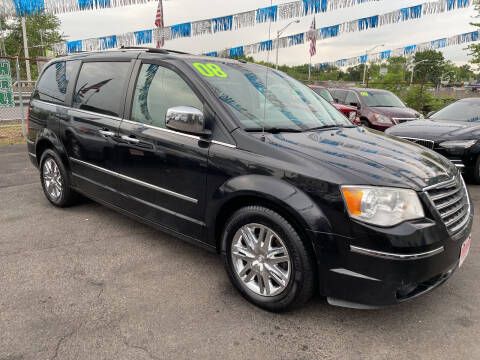 2008 Chrysler Town and Country for sale at Riverside Wholesalers 2 in Paterson NJ