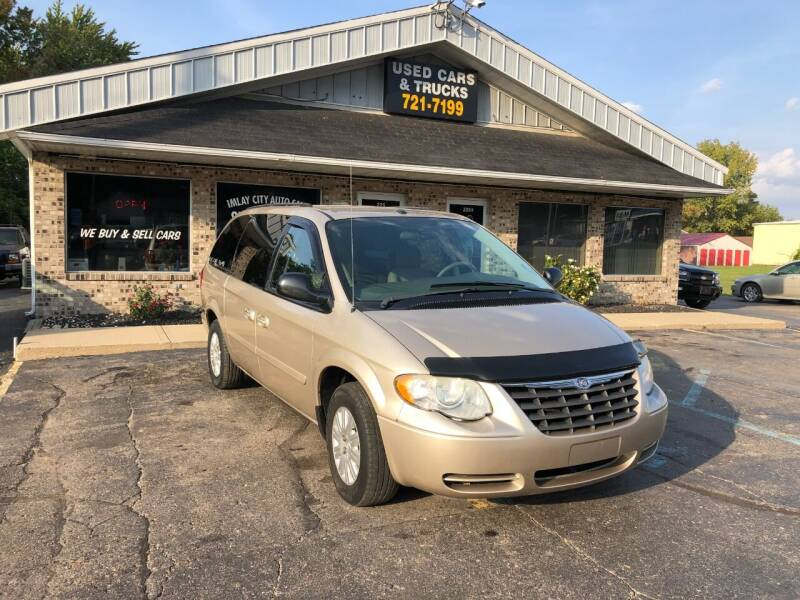 2007 Chrysler Town and Country for sale at Imlay City Auto Sales LLC. in Imlay City MI