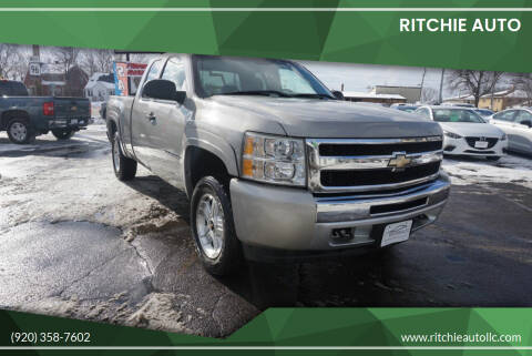 2009 Chevrolet Silverado 1500 for sale at Ritchie Auto in Appleton WI