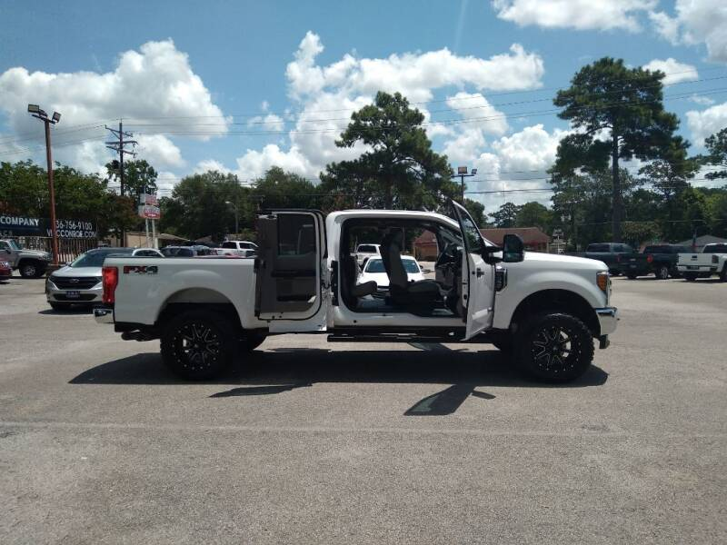 2017 Ford F-350 Super Duty for sale at Victory Motor Company in Conroe TX