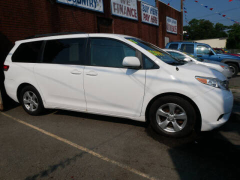 2013 Toyota Sienna for sale at MICHAEL ANTHONY AUTO SALES in Plainfield NJ
