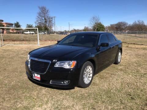 2013 Chrysler 300 for sale at LA PULGA DE AUTOS in Dallas TX