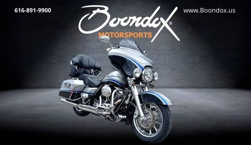 2009 Harley-Davidson CVO Ultra Classic for sale at Boondox Motorsports in Caledonia MI