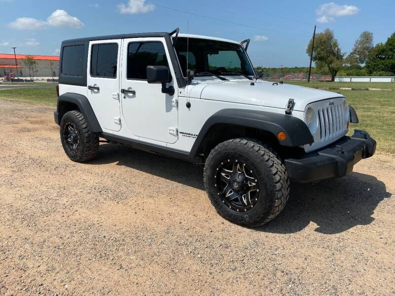 2011 Jeep Wrangler Unlimited for sale at CAVENDER MOTORS in Van Alstyne TX