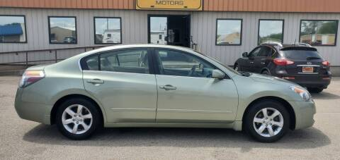 2008 Nissan Altima for sale at Parkway Motors in Springfield IL