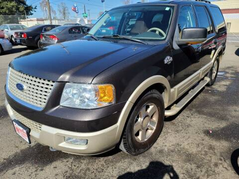 2005 Ford Expedition for sale at Kingz Auto LLC in Portland OR