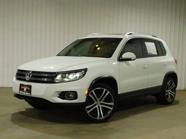 2017 Volkswagen Tiguan for sale at Bulldog Motor Company in Borger TX