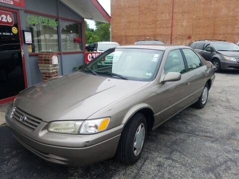 1999 Toyota Camry for sale at Best Deal Motors in Saint Charles MO
