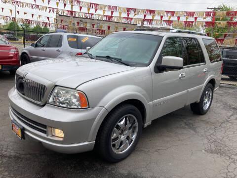 2006 Lincoln Navigator for sale at RON'S AUTO SALES INC in Cicero IL