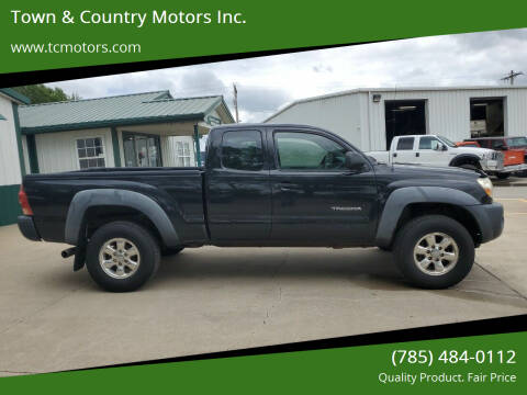 2006 Toyota Tacoma for sale at Town & Country Motors Inc. in Meriden KS