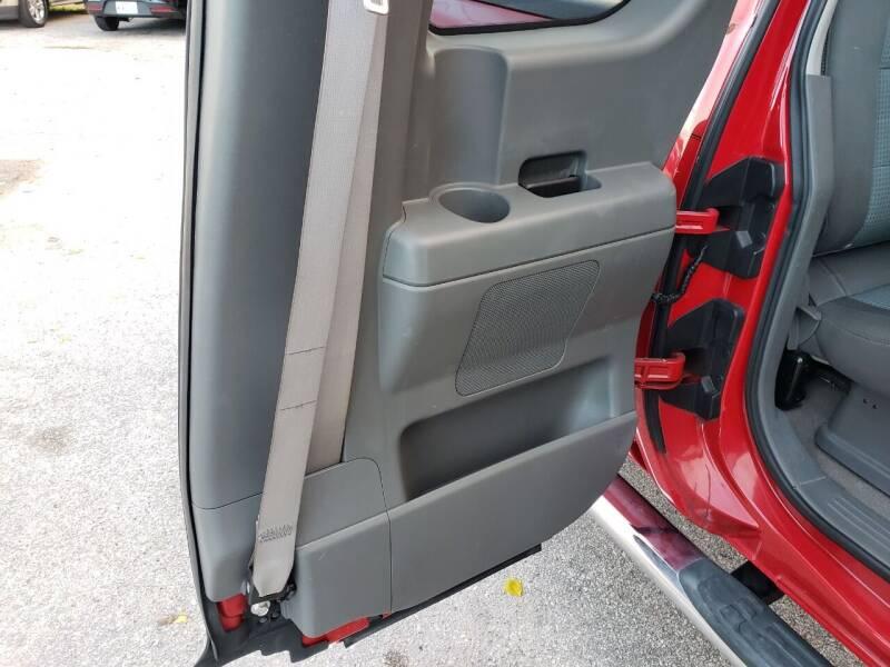 2005 Nissan Titan 4dr King Cab SE 4WD SB - Pearland TX