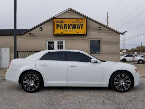 2014 Chrysler 300 for sale at Parkway Motors in Springfield IL