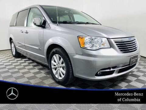 2015 Chrysler Town and Country for sale at Preowned of Columbia in Columbia MO