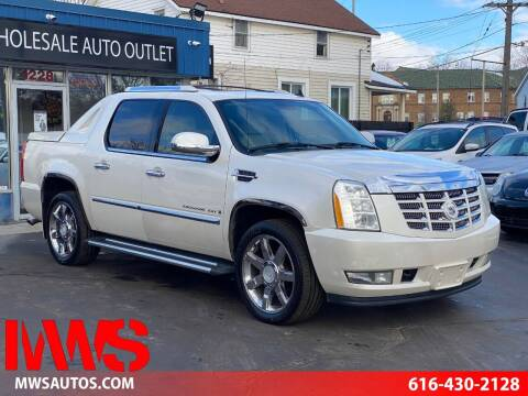 2008 Cadillac Escalade EXT for sale at MWS Wholesale  Auto Outlet in Grand Rapids MI