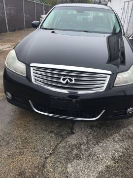 2010 Infiniti M35 for sale at Square Business Automotive in Milwaukee WI