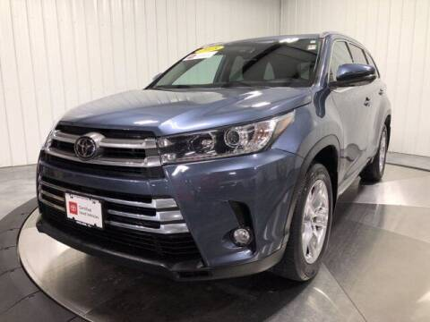 2018 Toyota Highlander for sale at HILAND TOYOTA in Moline IL