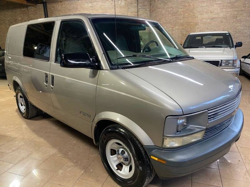 2002 Chevrolet Astro Cargo for sale in Chicago, IL