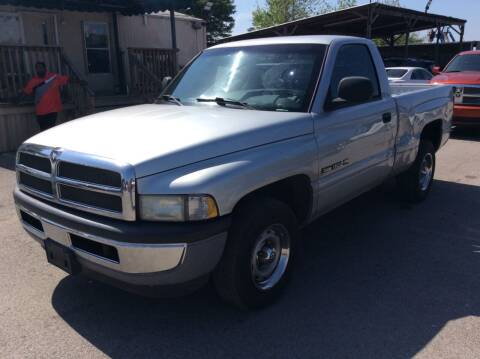 2001 Dodge Ram Pickup 1500 for sale at OASIS PARK & SELL in Spring TX