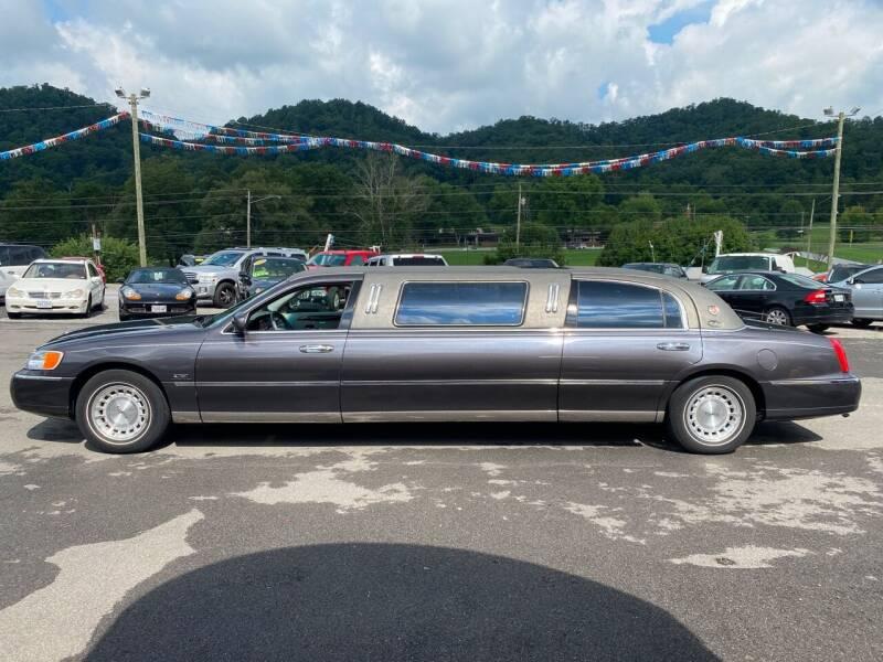 1999 Lincoln Town Car Executive 4dr Sedan w/ Limousine Builder Package - Bristol TN