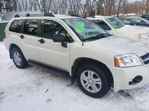 2008 Mitsubishi Endeavor for sale at Northwoods Auto & Truck Sales in Machesney Park IL
